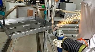 特鲁门机器人钣金托盘焊缝打磨